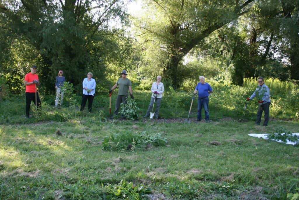 John Venables, Kathy Goulding, Beckie Fox, Viggo Zing, Klara Young-Chin, Michael Fox and Nigel Young-Chin of the Friends of One Mile Creek spent a morning doing a good weeding of the area they planted last year. (Mike Balsom)